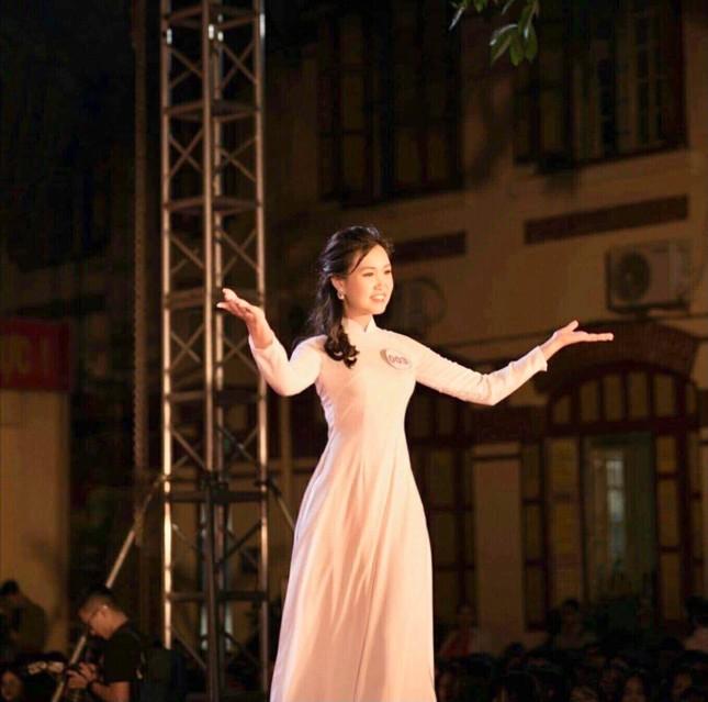 Nữ sinh viên Hà Thành xinh đẹp đam mê với thiện nguyện ảnh 2
