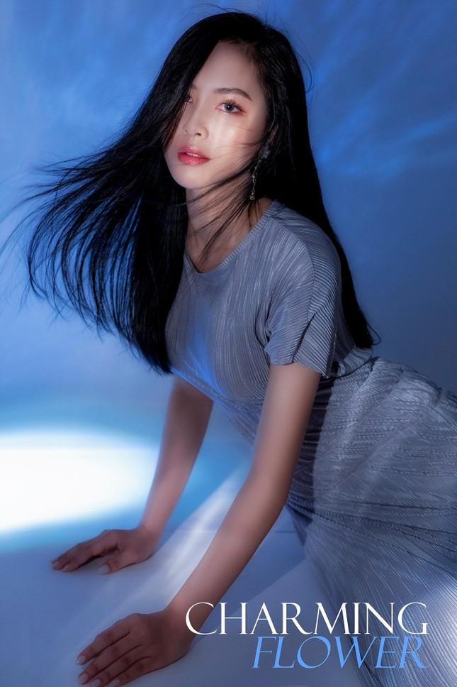 Mê mẩn với bộ ảnh nàng thơ đẹp hút mắt của hotgirl trường Đại học Kinh doanh và Công nghệ  ảnh 11