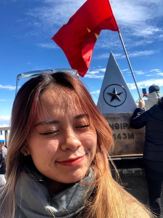 """Cô nàng Sơn La bị nhầm là người nước ngoài khi cover """"In the City of Love"""" ảnh 11"""