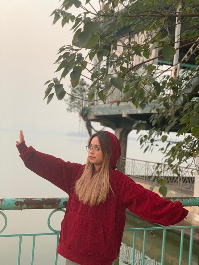 """Cô nàng Sơn La bị nhầm là người nước ngoài khi cover """"In the City of Love"""" ảnh 12"""