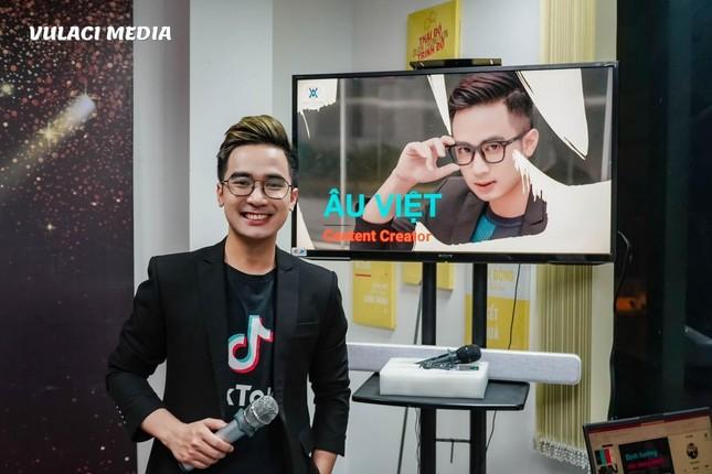 """MC Âu Việt: """"Làn gió mới"""" trong lĩnh vực truyền hình, truyền thông ảnh 5"""
