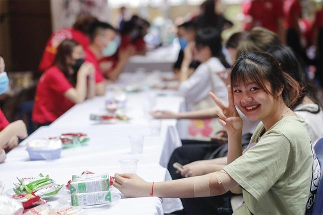 """Trường Đại học Nội vụ tích cực hưởng ứng ngày hội hiến máu toàn dân """"Bằng lăng tím 2021"""" ảnh 2"""
