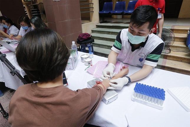 """Trường Đại học Nội vụ tích cực hưởng ứng ngày hội hiến máu toàn dân """"Bằng lăng tím 2021"""" ảnh 7"""