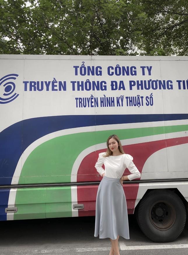 Cô MC trường Báo bén duyên với Truyền hình An ninh ảnh 8