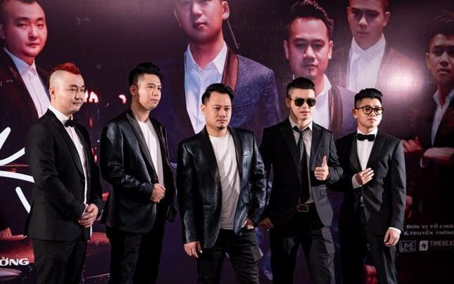 Nguyễn Đức Cường lần đầu ra mắt MV chung với Ngũ Cung ảnh 1