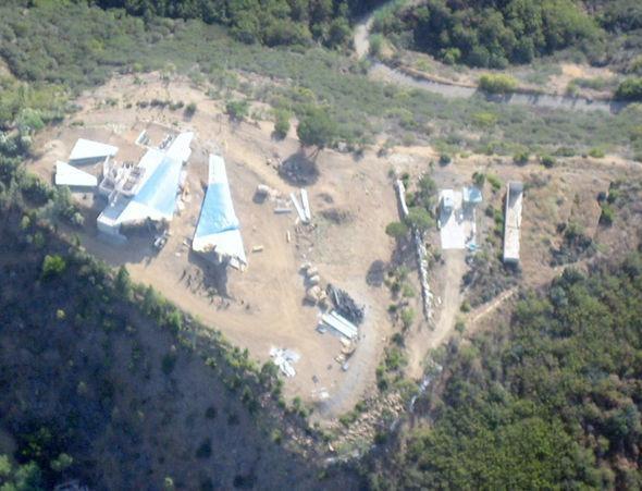 Lâu đài làm trong 15 năm từ máy bay BOEING 747  ảnh 5