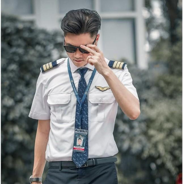Nhìn lại chặng đường đầy tự hào của Cơ phó Vietnam Airlines là cán bộ Đoàn nhiệt huyết ảnh 14