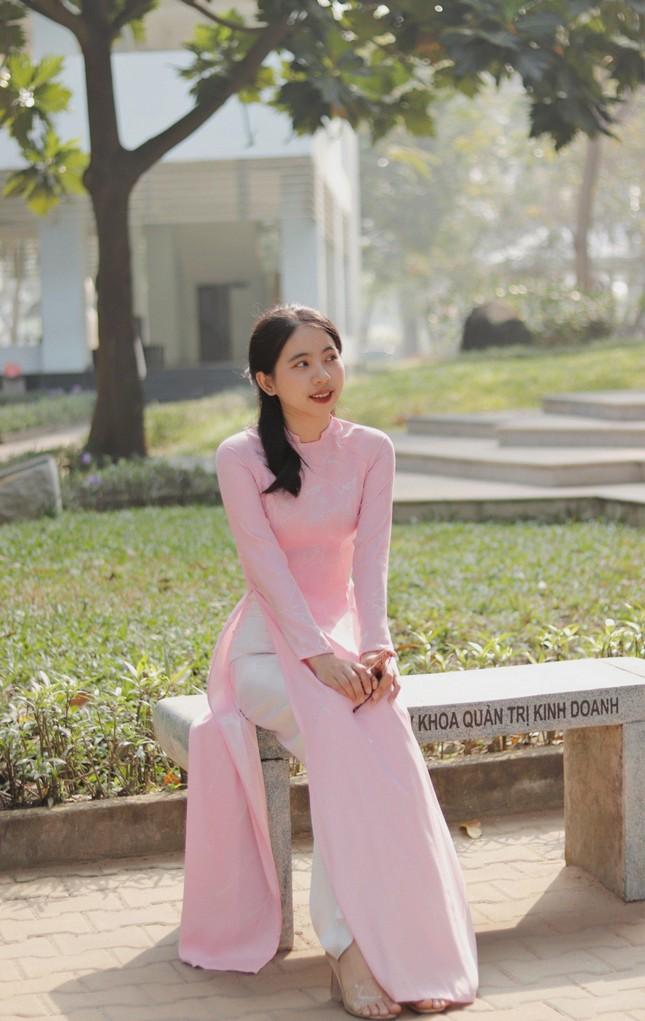 Nữ sinh Đắk Lắk toả sáng ở Sài Gòn ảnh 6