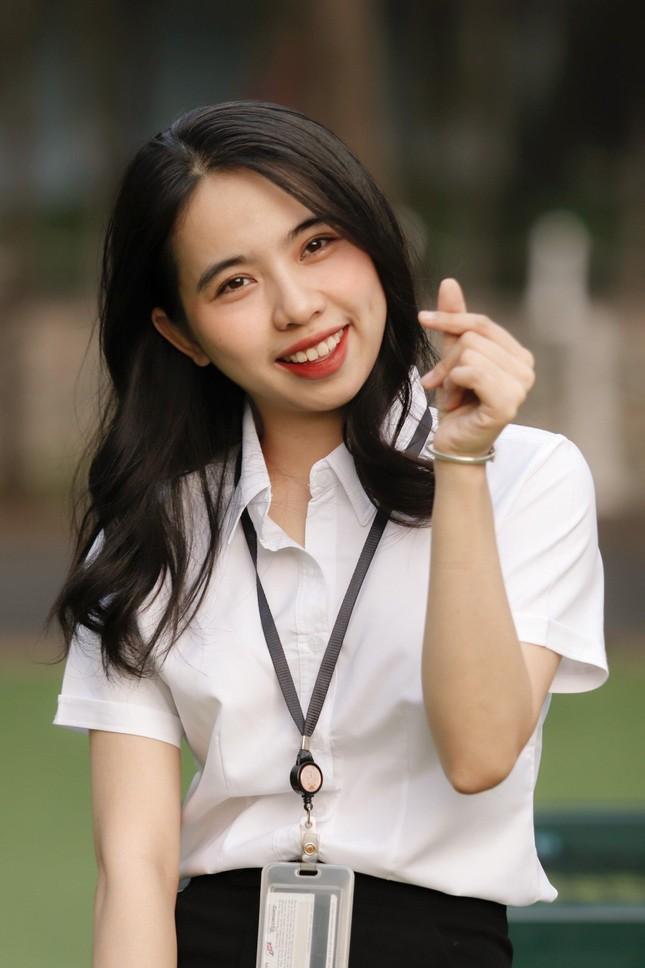 Nữ sinh Đắk Lắk toả sáng ở Sài Gòn ảnh 7