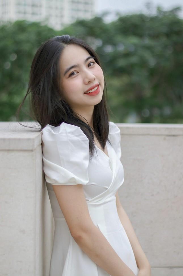 Nữ sinh Đắk Lắk toả sáng ở Sài Gòn ảnh 10