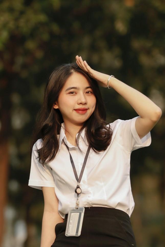 Nữ sinh Đắk Lắk toả sáng ở Sài Gòn ảnh 11