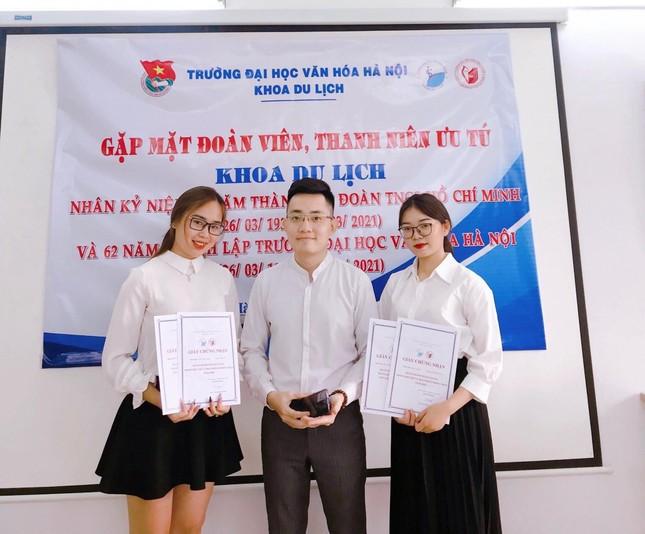 Nữ Đảng viên tuổi 20 trường Đại học Văn hóa Hà Nội có thành tích học tập xuất sắc ảnh 8