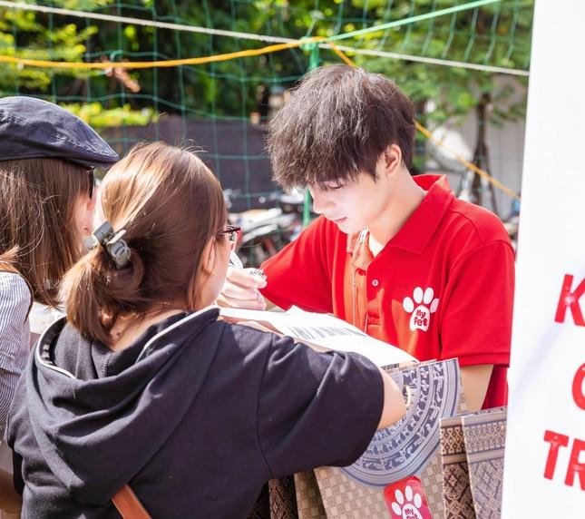 """Hotboy Cao Bằng điển trai """"nghiền"""" làm từ thiện, yêu động vật ảnh 2"""