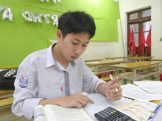 Chàng trai miền núi đoạt giải Nhì học sinh giỏi Quốc gia môn Địa lý ảnh 1