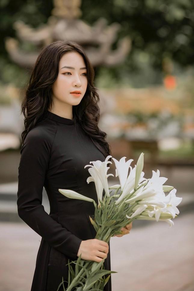 """""""Hotgirl ảnh thẻ"""" Hà Lim gây xao xuyến với thành tích học tập đáng nể ảnh 4"""