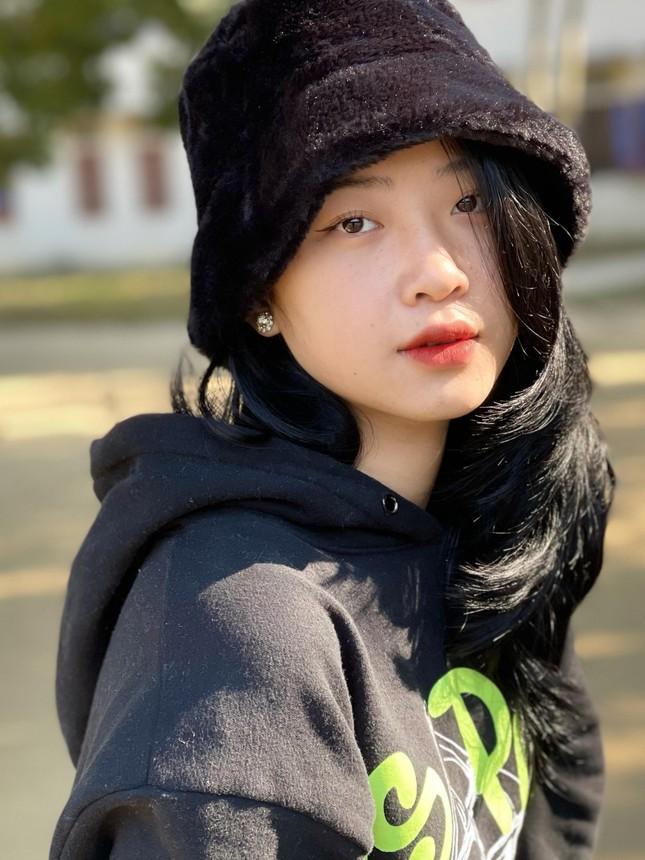 """""""Hotgirl ảnh thẻ"""" Hà Lim gây xao xuyến với thành tích học tập đáng nể ảnh 8"""