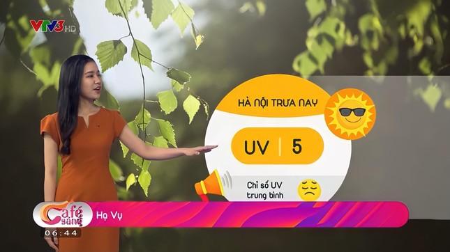 Nữ sinh năm ba Ngoại giao gốc Hội An trở thành MC-BTV Thời tiết VTV ảnh 11