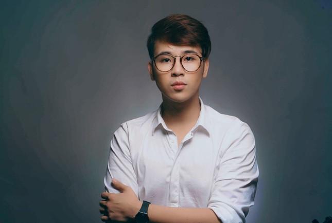 MC Lê Minh Ngọc: Từ chàng trai mê nghệ thuật đến giảng viên Đại học ảnh 6