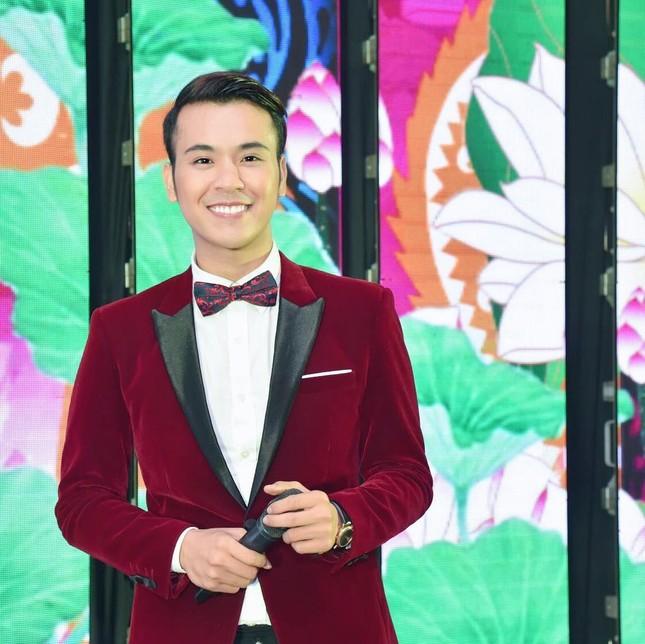 MC Lê Minh Ngọc: Từ chàng trai mê nghệ thuật đến giảng viên Đại học ảnh 1
