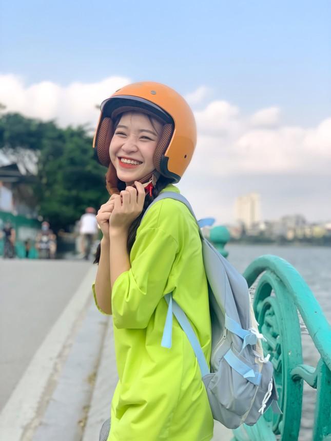 Cô gái ngành Dược có nụ cười tạo thiện cảm ngay từ cái nhìn đầu tiên ảnh 1
