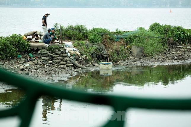 Nước hồ Tây ô nhiễm, nhiều thông số vượt ngưỡng cho phép ảnh 6