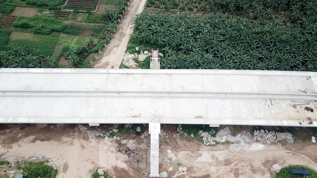 Toàn cảnh công trường xây dựng cầu vượt sông gần 2.000 tỷ đồng ở Bắc Ninh ảnh 5