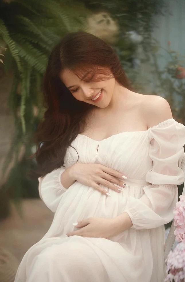 Không hổ danh nàng dâu tập đoàn nghìn tỷ, Phanh Lee khoe ảnh mang bầu đầy sang chảnh ảnh 7