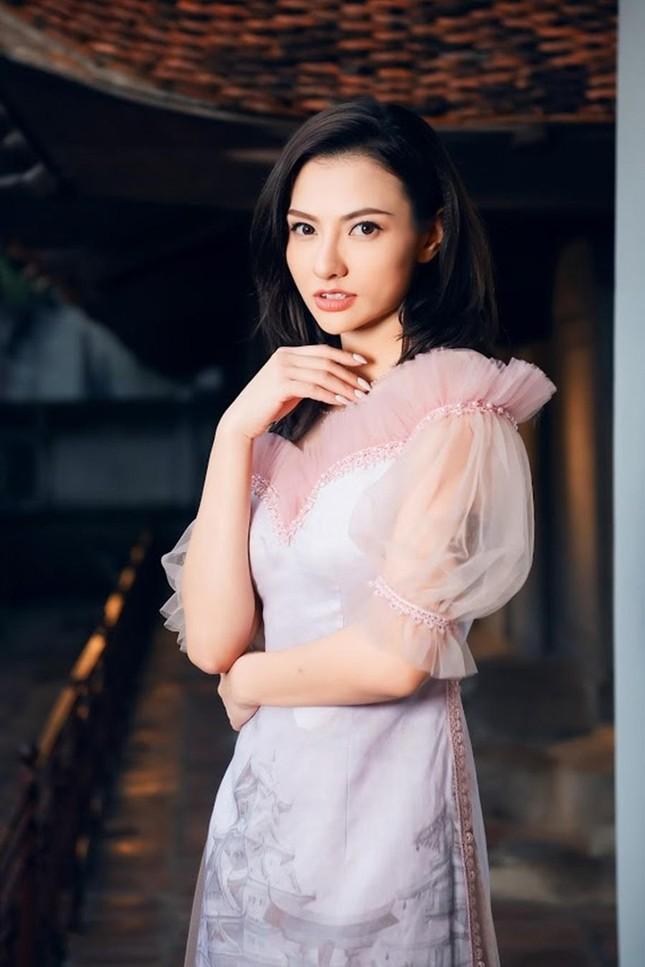 Hoa hậu Ngọc Hân, NTK Hà Duy đưa chi tiết rất đặc biệt vào bộ sưu tập áo dài mới ảnh 8