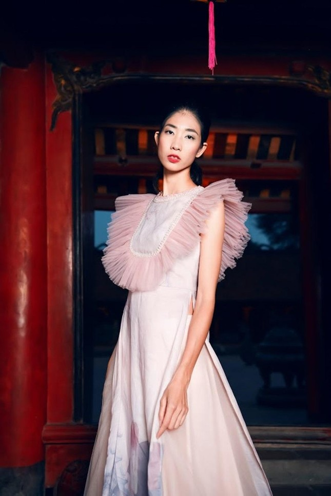 Hoa hậu Ngọc Hân, NTK Hà Duy đưa chi tiết rất đặc biệt vào bộ sưu tập áo dài mới ảnh 7