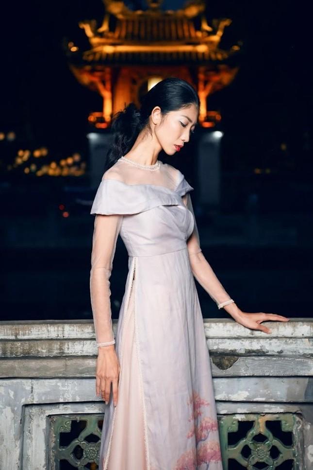 Hoa hậu Ngọc Hân, NTK Hà Duy đưa chi tiết rất đặc biệt vào bộ sưu tập áo dài mới ảnh 6
