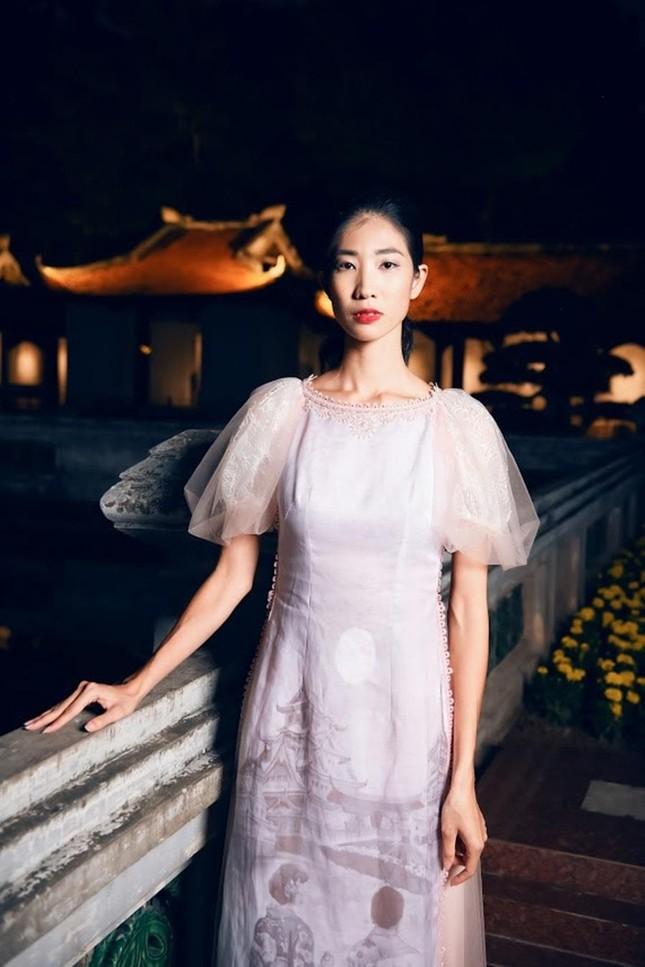 Hoa hậu Ngọc Hân, NTK Hà Duy đưa chi tiết rất đặc biệt vào bộ sưu tập áo dài mới ảnh 5