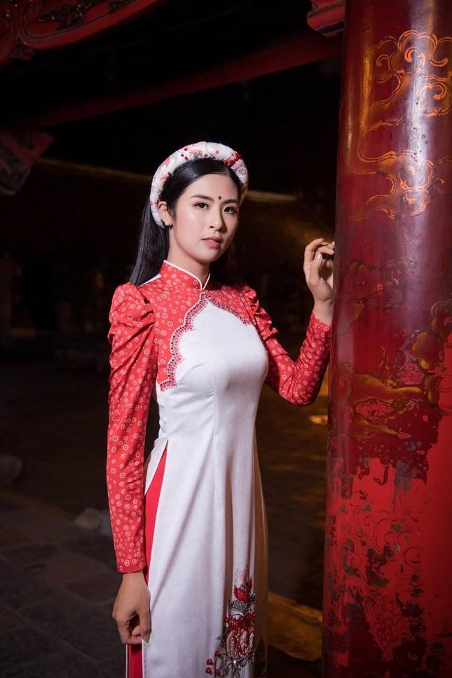 Hoa hậu Ngọc Hân, NTK Hà Duy đưa chi tiết rất đặc biệt vào bộ sưu tập áo dài mới ảnh 1