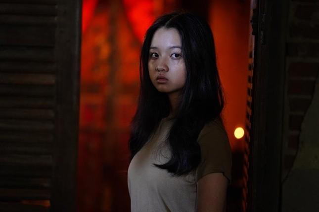 """Sau Mai Cát Vi, đến lượt Lâm Thanh Mỹ trở thành nạn nhân trong phim kinh dị """"Bóng đè"""" ảnh 3"""