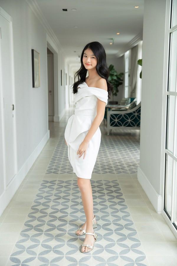 Mới 12 tuổi nhưng con gái Trương Ngọc Ánh đã có vóc dáng siêu mẫu, chân dài miên man ảnh 6
