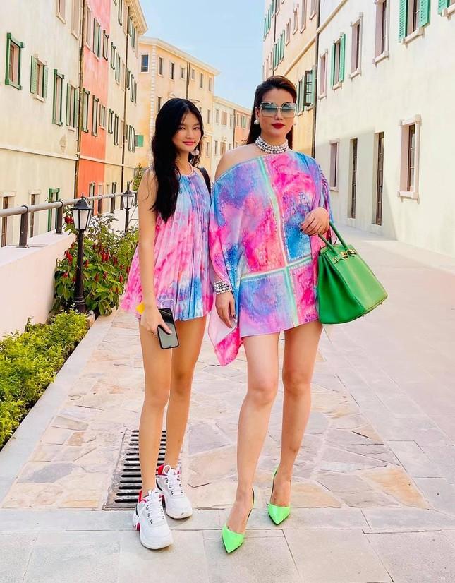 Mới 12 tuổi nhưng con gái Trương Ngọc Ánh đã có vóc dáng siêu mẫu, chân dài miên man ảnh 5