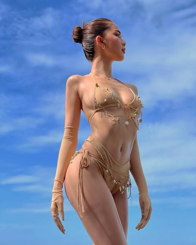 Ngọc Trinh lại khoe dáng bỏng mắt với trang phục nội y có cũng như không ảnh 6