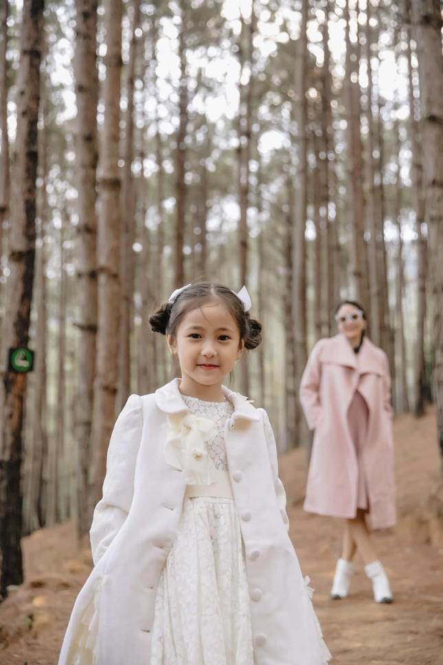 """Con gái Hoa hậu Hà Kiều Anh xinh đẹp, yêu kiều cỡ nào mà được gọi là """"tiên tử""""? ảnh 4"""