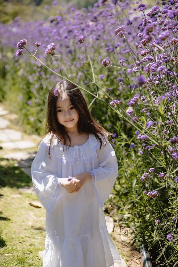 """Con gái Hoa hậu Hà Kiều Anh xinh đẹp, yêu kiều cỡ nào mà được gọi là """"tiên tử""""? ảnh 2"""