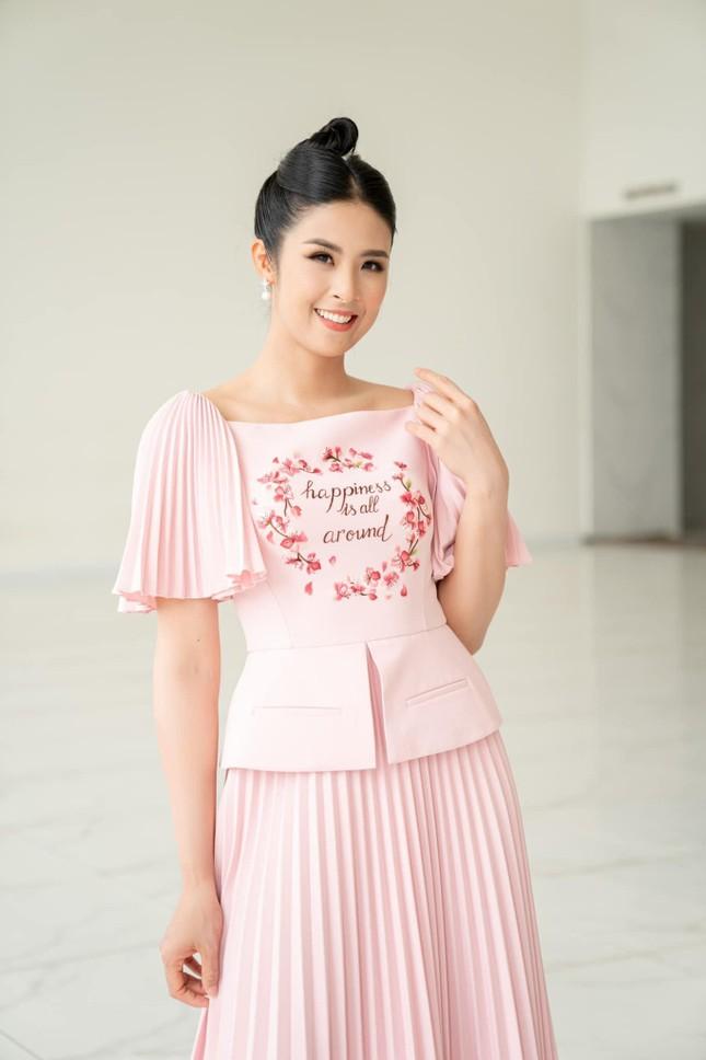 Đính hôn đã lâu nhưng cớ sao Hoa hậu Ngọc Hân vẫn chưa định ngày kết hôn? ảnh 6