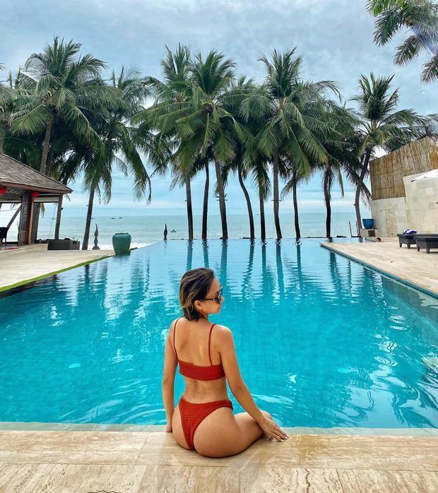 Diện bikini siêu nhỏ vẫn chưa là gì, ca sĩ Thảo Trang còn khoe hẳn cảnh tắm nude ảnh 4