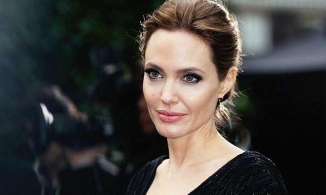 Lý do nào khiến Angelina Jolie chấp nhận hóa thân thành một lính cứu hỏa trong phim mới? ảnh 10