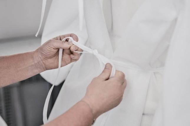 Chiêm ngưỡng những bộ quần áo bảo hộ của Louis Vuitton ở Paris ảnh 3