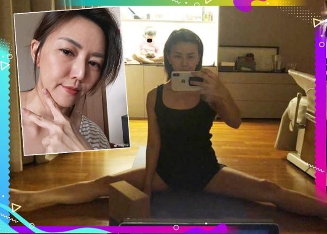 """""""Tiểu thiên hậu của giới trẻ châu Á"""" Tôn Yến Tư chia sẻ bí quyết để có vóc dáng tươi trẻ ảnh 1"""