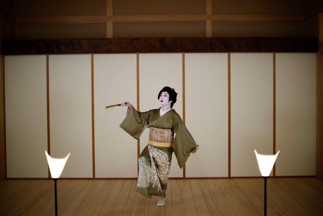 """Ngành nghề nào ở Nhật Bản chịu tổn thất nặng nề nhất và phải  """"gồng mình"""" chống COVID-19? ảnh 5"""
