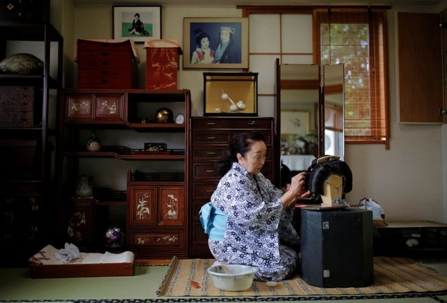 """Ngành nghề nào ở Nhật Bản chịu tổn thất nặng nề nhất và phải  """"gồng mình"""" chống COVID-19? ảnh 6"""