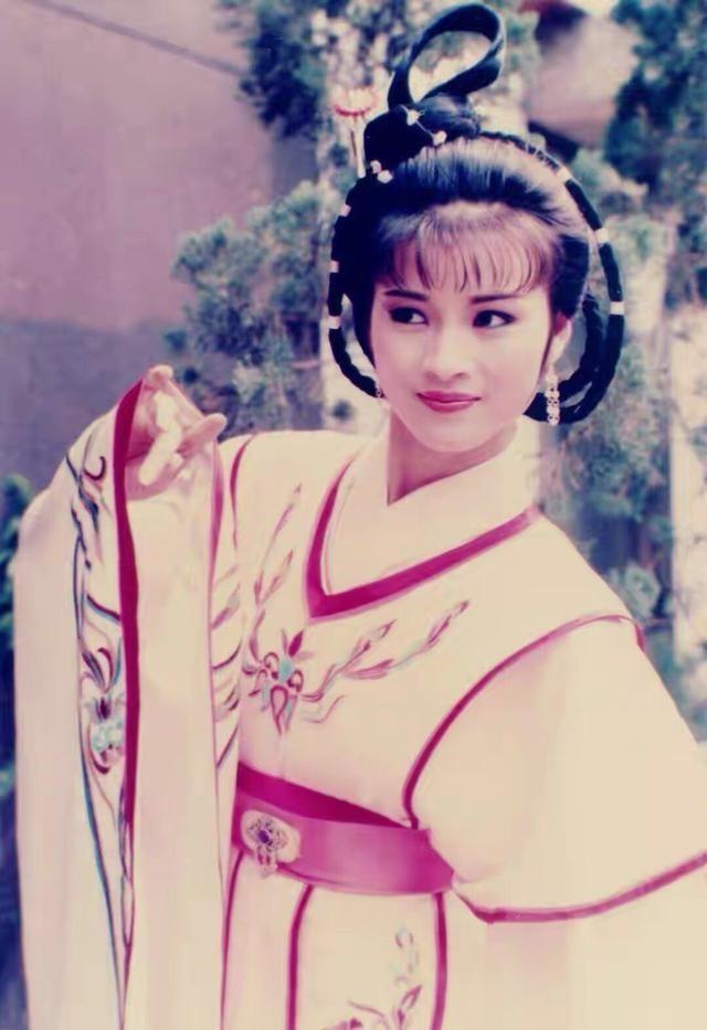 """""""Nàng Hậu"""" châu Á 1985: Quay phim liền 36 giờ, nỗ lực làm việc ở tuổi 56 tạo nên kỳ tích ảnh 9"""