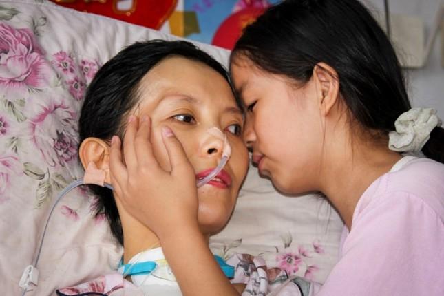 Cảm động bé gái 11 tuổi nhặt phế liệu gom tiền giành tặng bố mẹ lễ thất tịch đáng nhớ ảnh 11