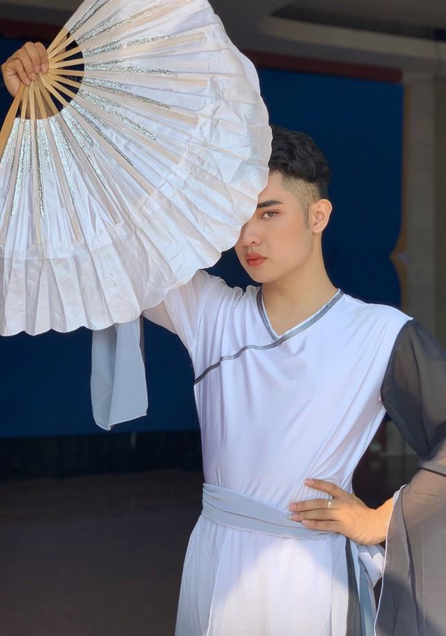Quyết tâm theo đuổi nghệ thuật múa, chàng trai biến đam mê thành sự thật ảnh 12