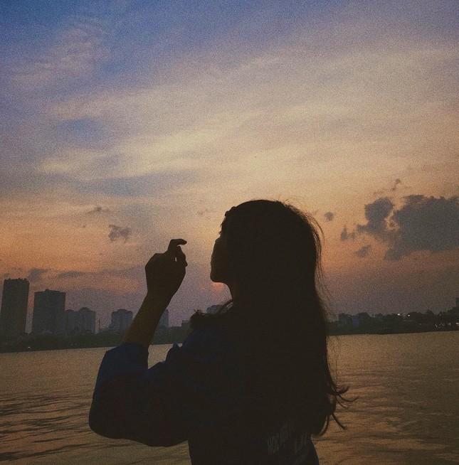 Hoàng hôn hồ Tây: Điểm check-in, thư giãn của giới trẻ Hà Thành ảnh 2