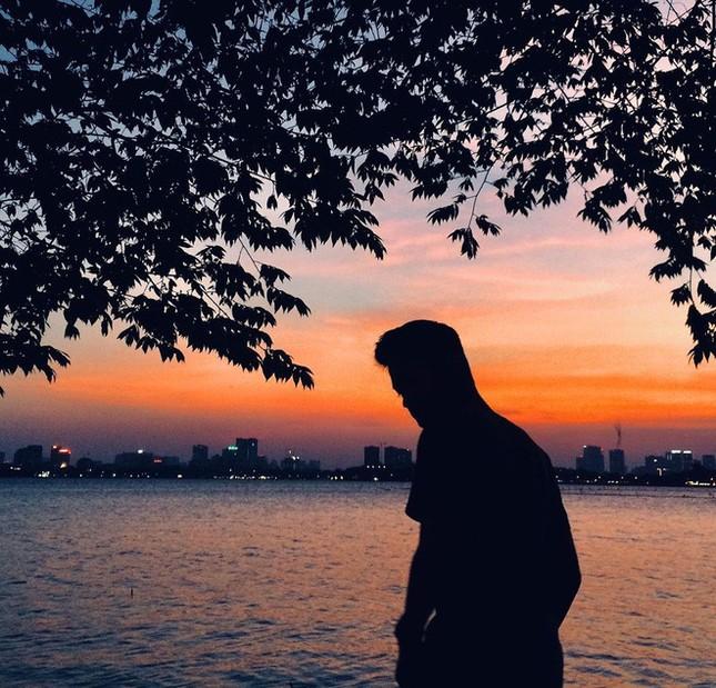 Hoàng hôn hồ Tây: Điểm check-in, thư giãn của giới trẻ Hà Thành ảnh 8